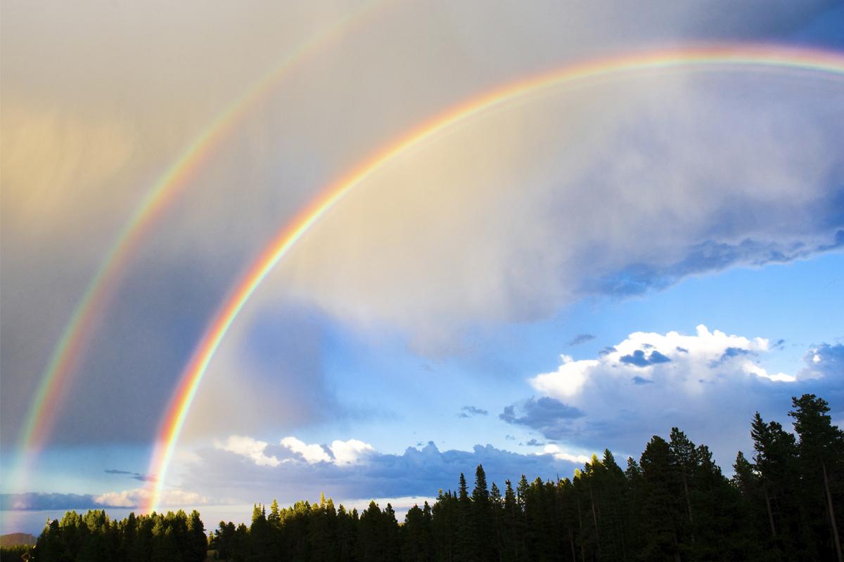 ¿Cómo se forma el arcoíris doble?